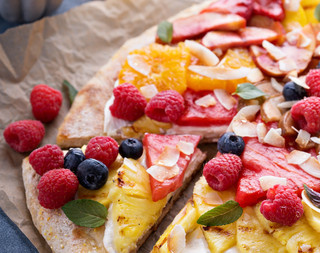 pizza met fruit