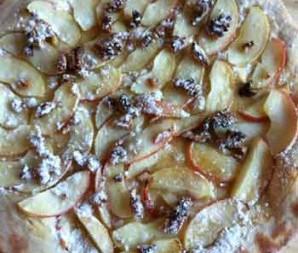zoete pizza met appel en honing